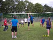 Volleyballgruppe 2 02 Sportplatz